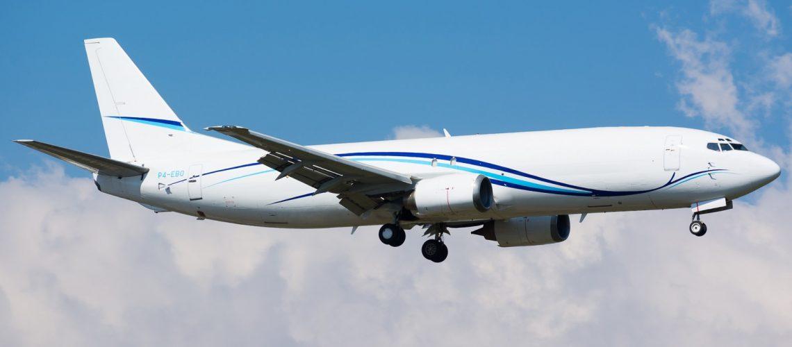BOEING 737-400 (P4-EBO)